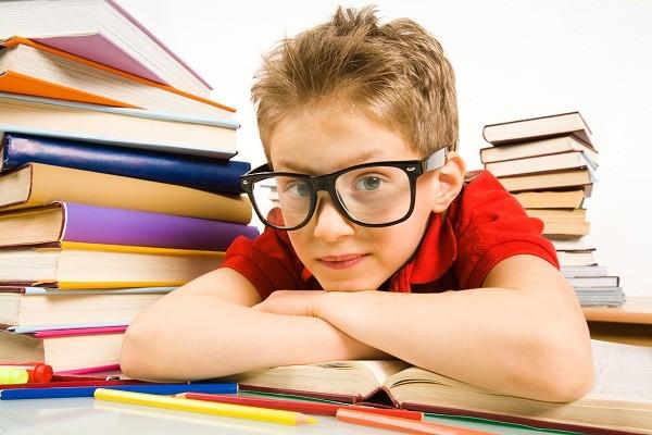niño estudioso 10 pautas para fomentar la concentración en los niños y niñas