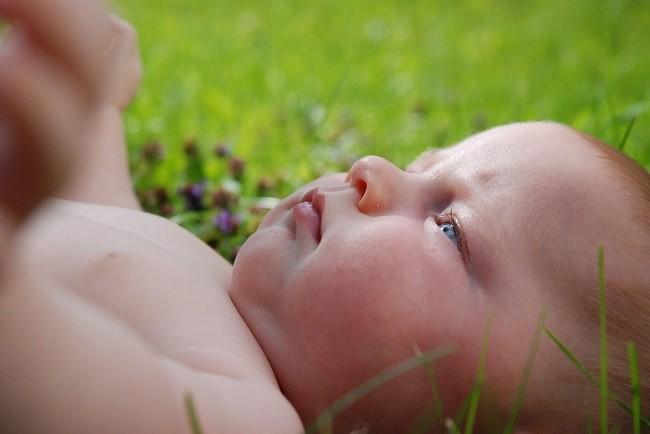 el contacto con la piel del bebé
